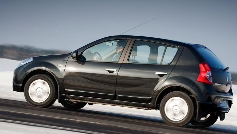 Renault Sandero (2007). Выпускается с 2007 года. Восемь базовых комплектаций. Цены от 380 000 до 501 000 руб.Двигатель от 1.4 до 1.6, бензиновый. Привод передний. КПП: механическая.