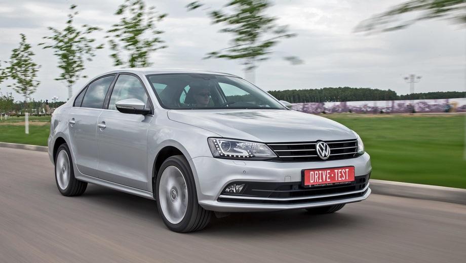 Volkswagen Jetta. Выпускается с 2011 года. Девять базовых комплектаций. Цены от 1 049 000 до 1 299 000 руб.Двигатель от 1.4 до 1.6, бензиновый. Привод передний. КПП: механическая, автоматическая и роботизированная.