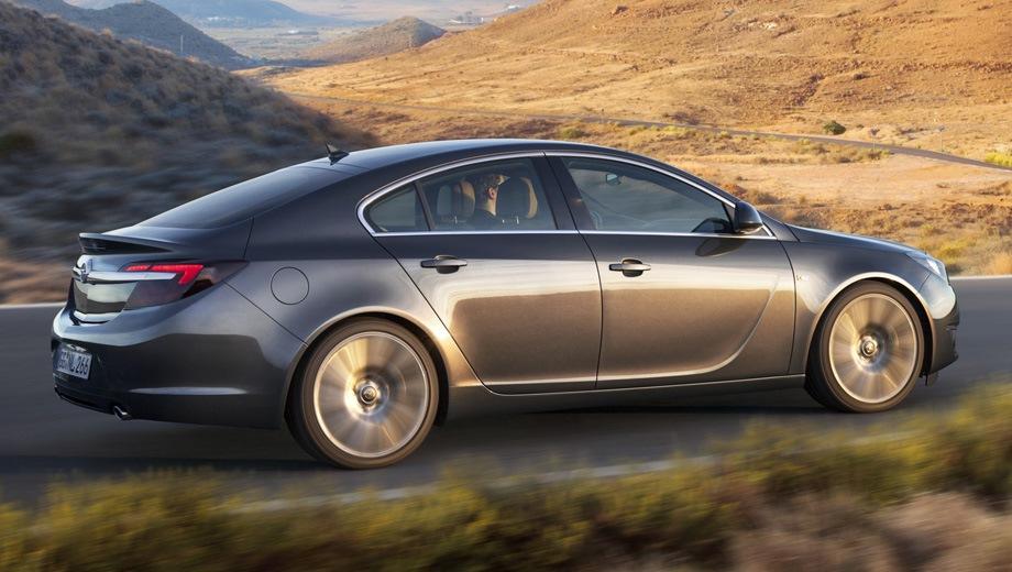 Opel Insignia Hatchback. Выпускается с 2008 года. Две базовые комплектации. Марка официально не представлена на российском рынке.Двигатель от 1.6 до 2.0, бензиновый. Привод передний и полный. КПП: автоматическая.