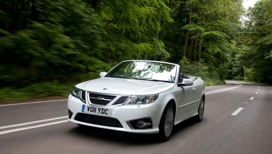 Saab 9-3 Convertible. Выпускается с 2003 года. Шесть базовых комплектаций. Марка официально не представлена на российском рынке.Двигатель от 2.0 до 2.8, бензиновый. Привод передний. КПП: автоматическая и механическая.