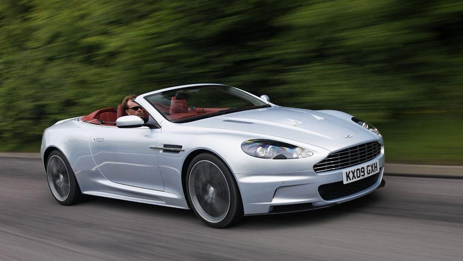 Aston Martin DBS Volante. Выпускается с 2009 года. Две базовые комплектации. Цена 31 322 097 руб.Двигатель 5.9, бензиновый. Привод задний. КПП: механическая и автоматическая.