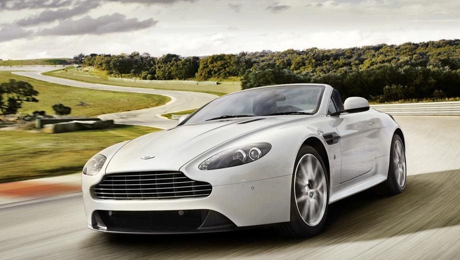 Aston Martin Vantage Roadster. Выпускается с 2005 года. Четыре базовые комплектации. Цены от 14 220 702 до 23 123 871 руб.Двигатель от 4.7 до 5.9, бензиновый. Привод задний. КПП: механическая и автоматическая.