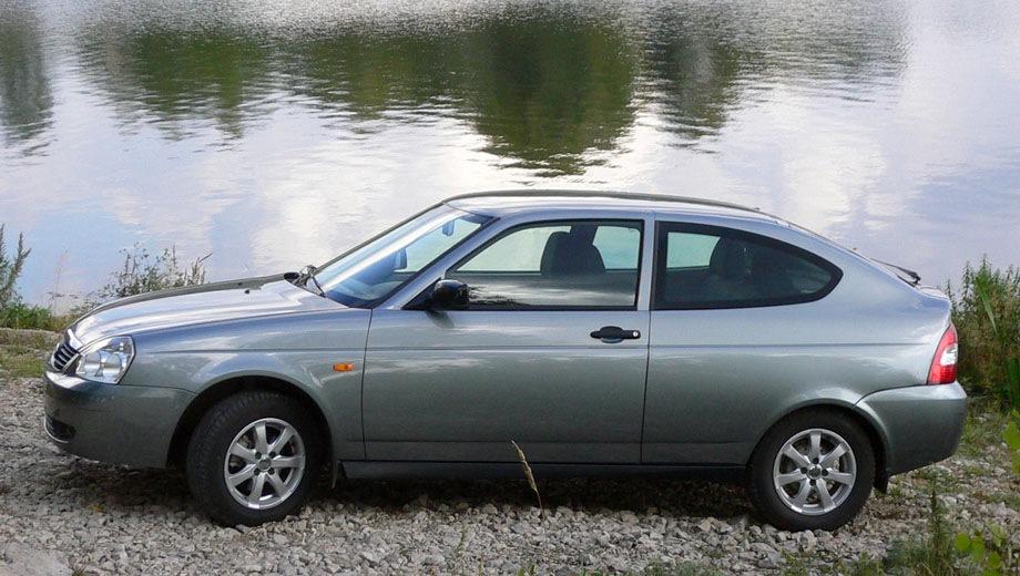 Lada Priora Coupe. Выпускается с 2009 года. Две базовые комплектации. Цены от 446 000 до 488 900 руб.Двигатель 1.6, бензиновый. Привод передний. КПП: механическая.