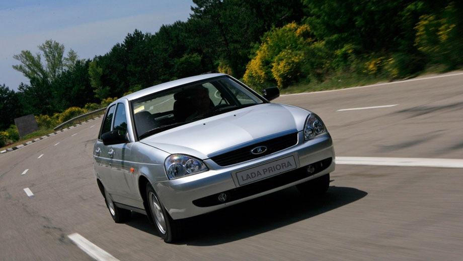 Lada Priora hatchback. Выпускается с 2008 года. Шесть базовых комплектаций. Цены от 443 000 до 534 100 руб.Двигатель 1.6, бензиновый. Привод передний. КПП: механическая и роботизированная.