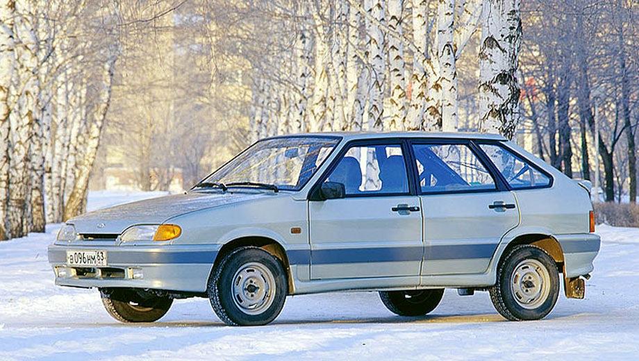 Lada Samara hatchback 5D. Выпускается с 2004 года. Две базовые комплектации. Цены от 272 900 до 278 900 руб.Двигатель 1.6, бензиновый. Привод передний. КПП: механическая.