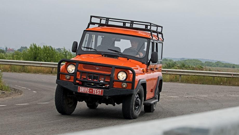 УАЗ Hunter. Выпускается с 2003 года. Три базовые комплектации. Цены от 737 000 до 999 900 руб.Двигатель 2.7, бензиновый. Привод полный. КПП: механическая.