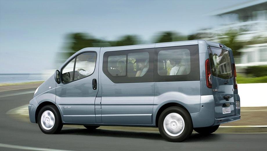 Renault Trafic. Выпускается с 2001 года. Пять базовых комплектаций. Цены от 1 160 000 до 1 251 000 руб.Двигатель 2.0, бензиновый и дизельный. Привод передний. КПП: механическая.