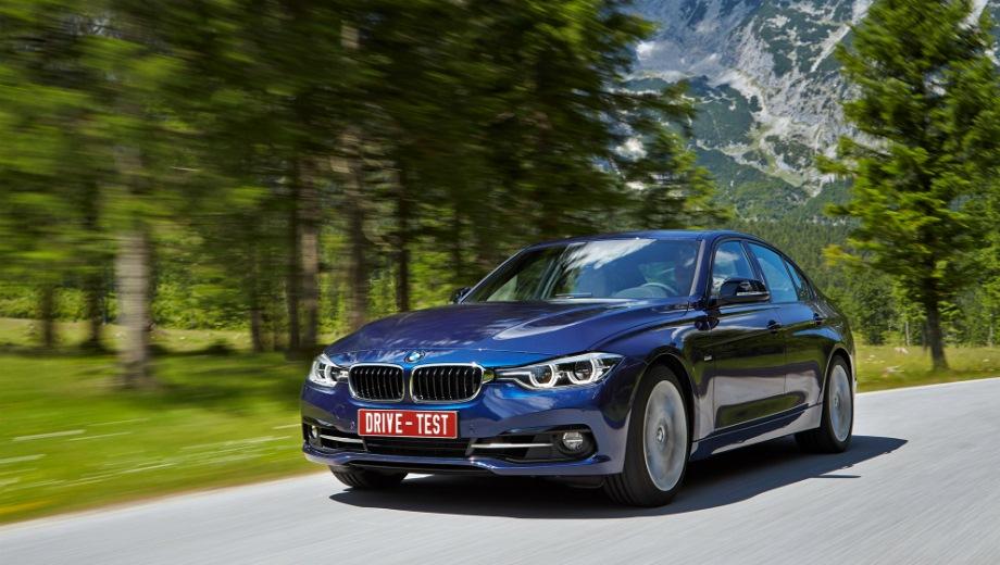 BMW 3 Series Sedan (2011). Выпускается с 2011 года. Девять базовых комплектаций. Цены от 1 940 000 до 3 180 000 руб.Двигатель от 1.5 до 3.0, бензиновый и дизельный. Привод задний и полный. КПП: механическая и автоматическая.