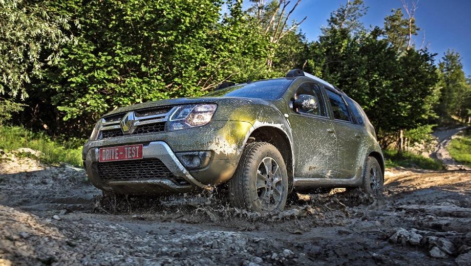 Renault Duster. Выпускается с 2011 года. Четырнадцать базовых комплектаций. Цены от 699 000 до 1 111 990 руб.Двигатель от 1.5 до 2.0, бензиновый и дизельный. Привод передний и полный. КПП: механическая и автоматическая.