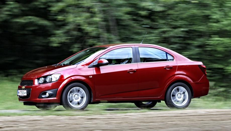 Chevrolet Aveo. Выпускается с 2011 года. Четыре базовые комплектации. Цены от 668 000 до 764 000 руб.Двигатель 1.6, бензиновый. Привод передний. КПП: механическая и автоматическая.