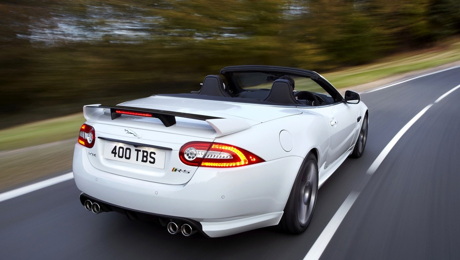 Jaguar XKR-S Convertible. Выпускается с 2011 года. Одна базовая комплектация. Цена 7 870 000 руб.Двигатель 5.0, бензиновый. Привод задний. КПП: автоматическая.
