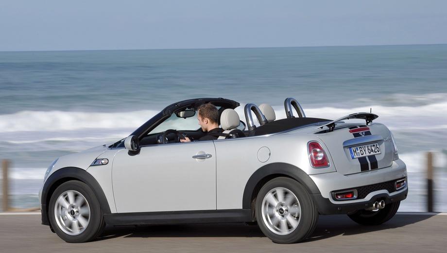 MINI Cooper S Roadster. Выпускается с 2011 года. Четыре базовые комплектации. Цены от 1 419 000 до 1 621 000 руб.Двигатель 1.6, бензиновый. Привод передний. КПП: механическая.