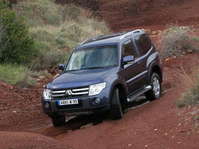 Latest Mitsubishi Pajero Specifications � Japanese Used Pajero for ...