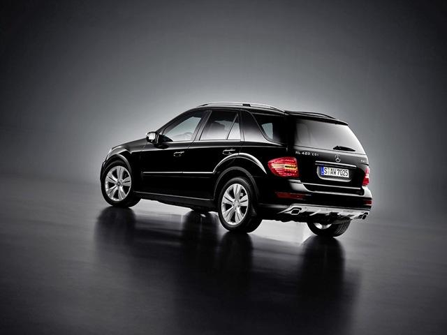 Mercedes benz m ml 300 cdi 4matic for Mercedes benz ml 300