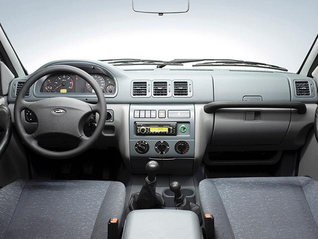 Фото салона автомобилей UAZ